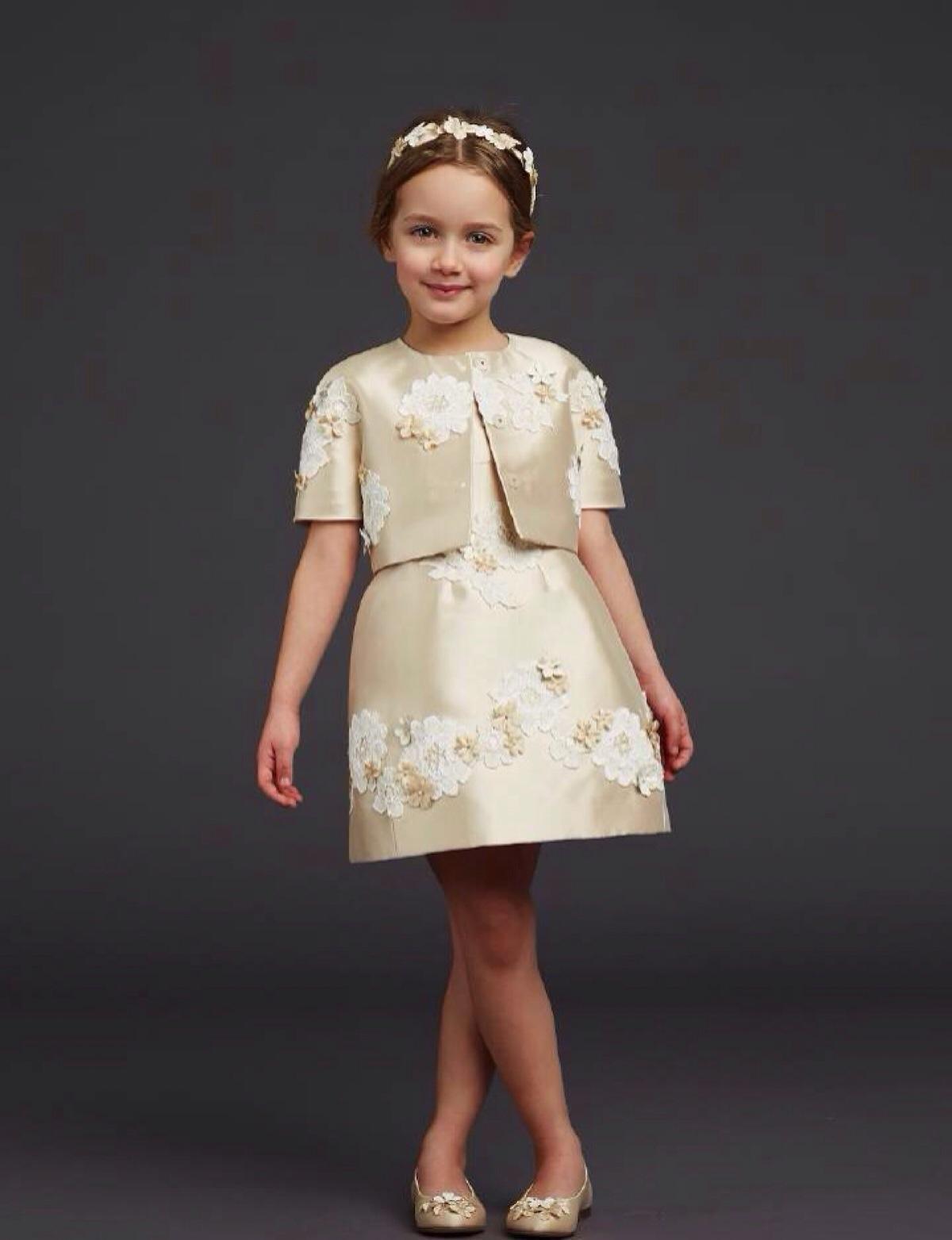 balabala春夏款儿童绒衫特卖 balabala女童半身裙好看么?