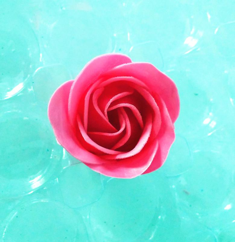Nhà máy xà phòng hoa mảnh trực tiếp  món quà Tự làm hoa cánh hoa đầu bán buôn xà phòng làm bằng tay
