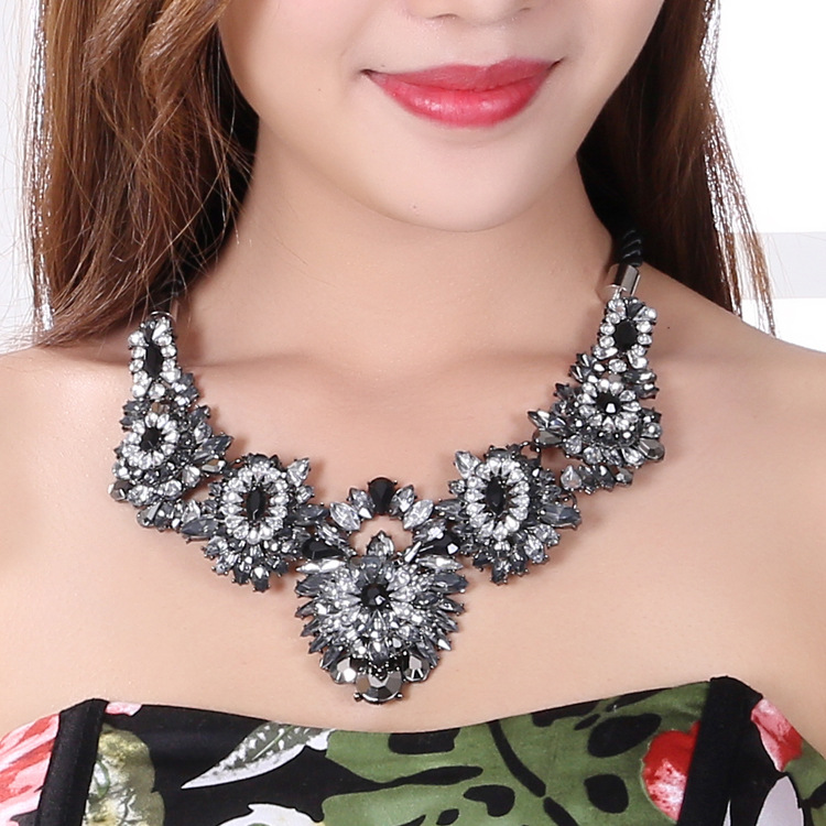 Occident and the United States Zinc alloy crystal gem quality drillingnecklace (Color No. 1)NHYT0362-Color No. 1