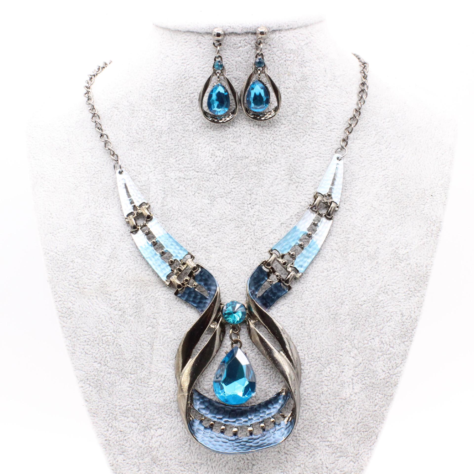欧美时尚新款厂家直销百搭水晶水滴宝石项链锁骨链毛衣链耳环套装