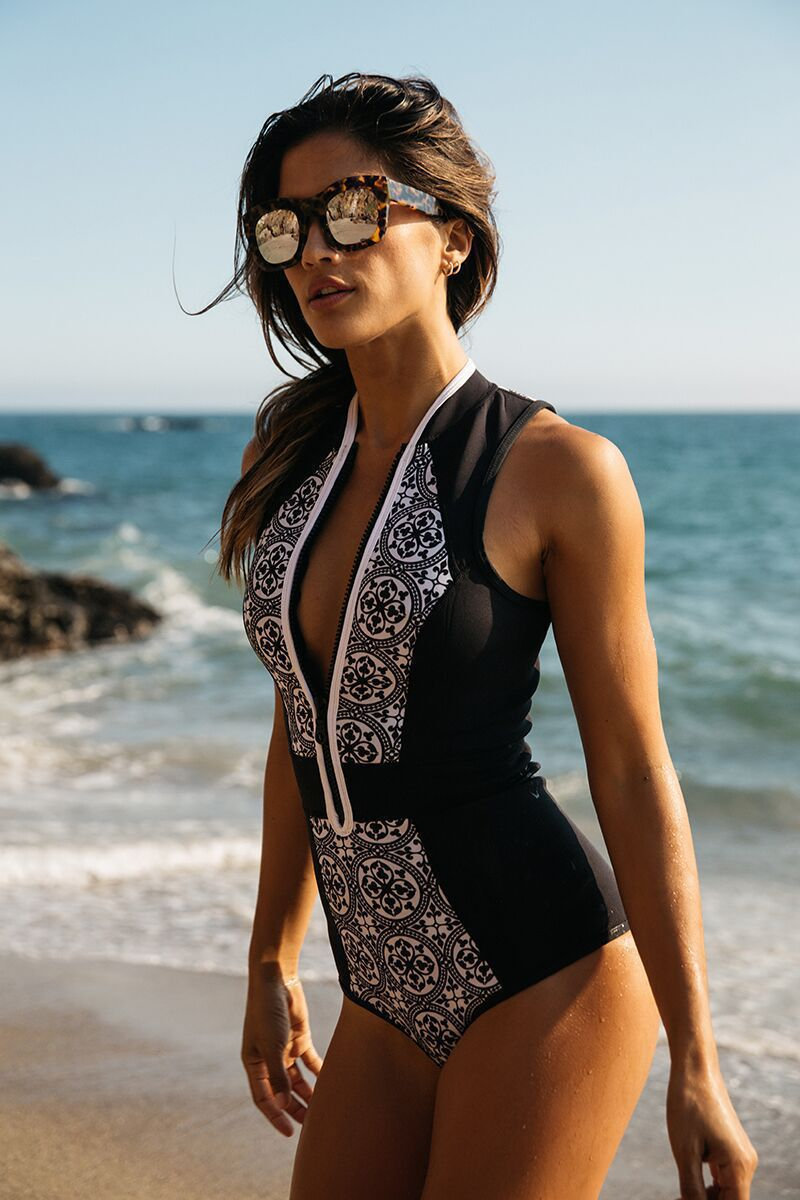 Sexy Polyester With chest pad without steel care swimsuit (One-piece printing zipper-XL)  NHCC0438