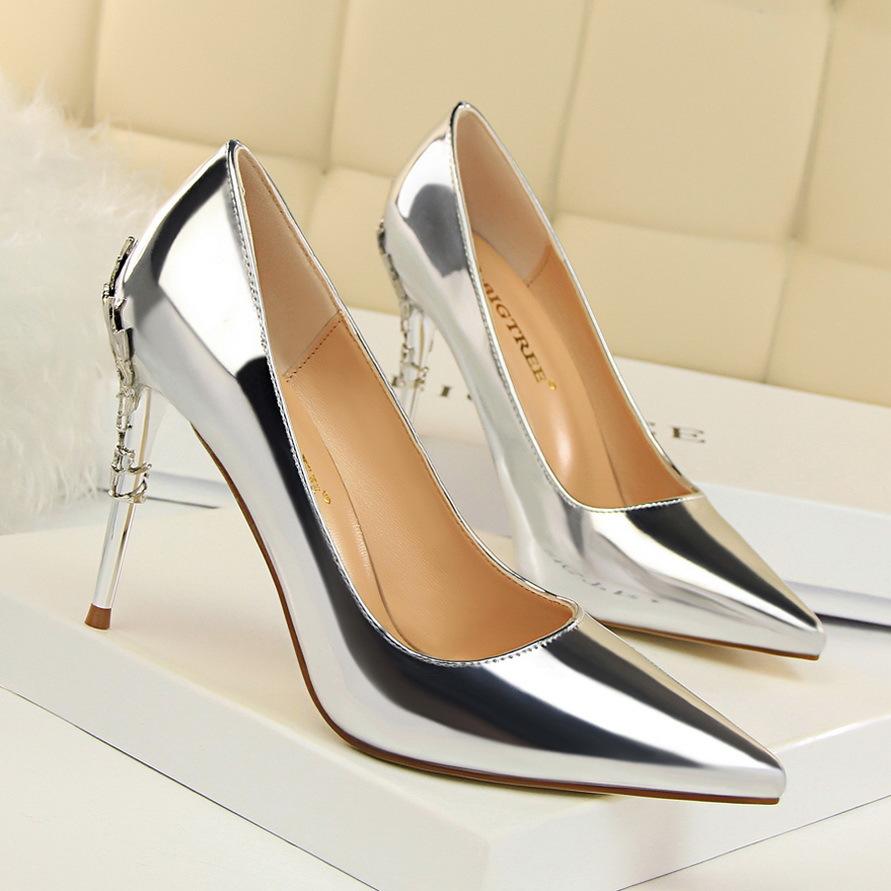 9219-7欧美风时尚性感金属跟女鞋细跟高跟浅口尖头漆皮显瘦单鞋