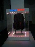 深圳廠家直銷訂制磁懸浮箱包廣告展示架鞋帽發光展示商場專用展示