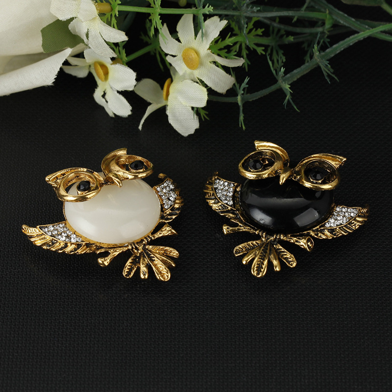 Korean version alloy plating brooch (Silver - black)NHGY0061-Gold - white