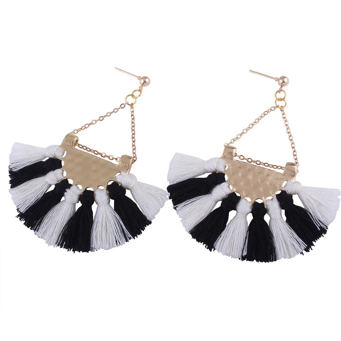 Occident and the United States alloy plating earring (Black and White)NHNMD3279-Black and White