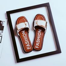 夏季女款涼拖鞋居家室內方扣平底一字拖金屬扣沙灘拖鞋新款潮