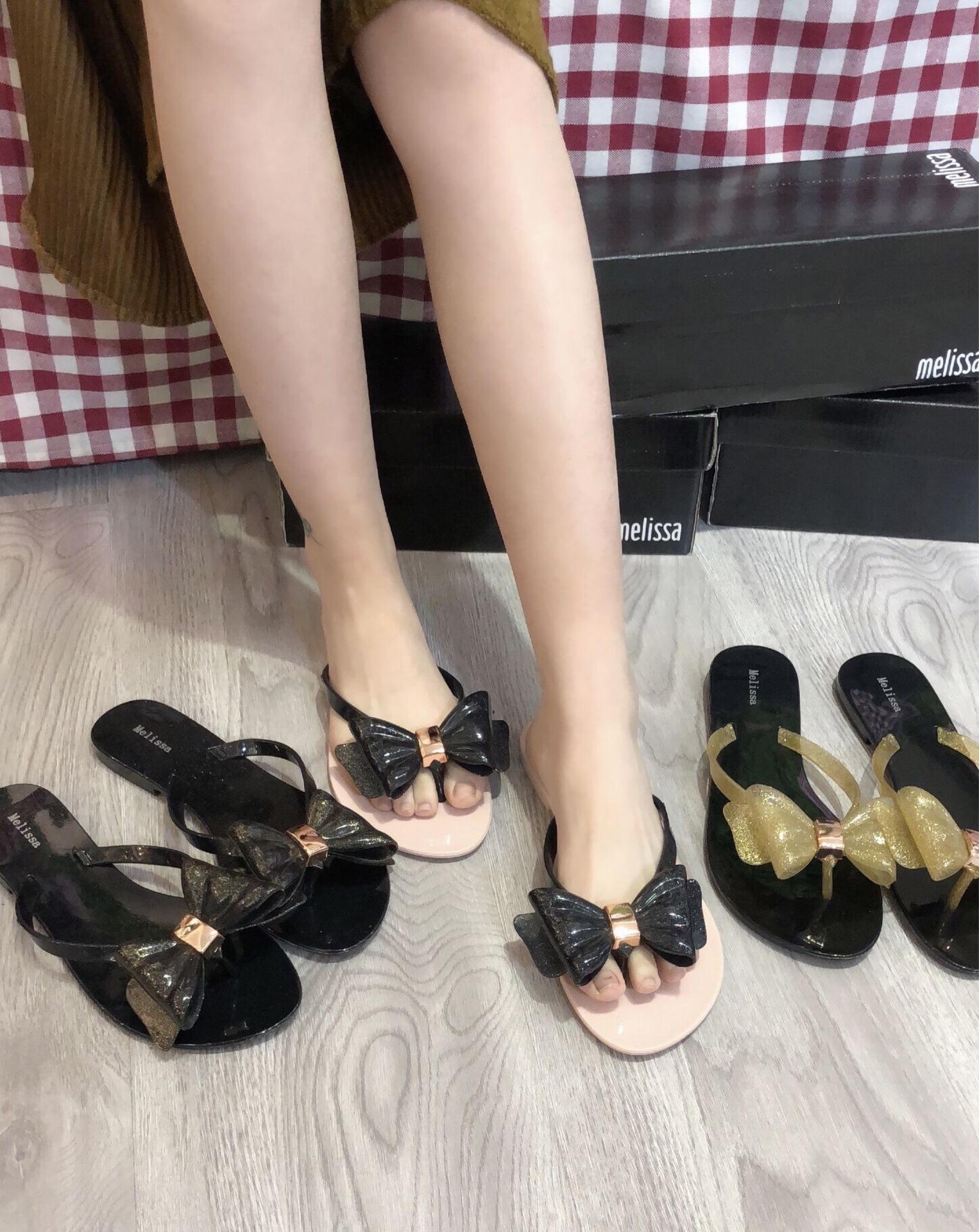新款梅丽莎同款闪亮粉超大蝴蝶结夹脚凉鞋果冻鞋小香鞋沙滩鞋