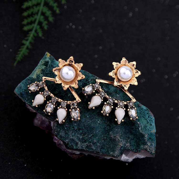 Occident and the United States alloy Diamond earring NHQD4017