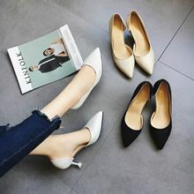 2019夏季欧美性感显瘦职业OL女鞋细跟浅口尖头侧镂空单鞋高跟鞋潮