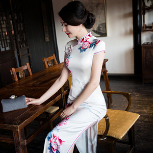 Chinese style long slim and improved fashion silk cheongsam dress dress wholesale Hangzhou women's daily Tang Qipao
