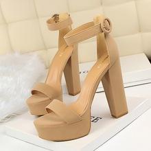 1550-1欧美风粗跟超显瘦高跟鞋性感夜店女鞋防水台露趾皮带扣凉鞋
