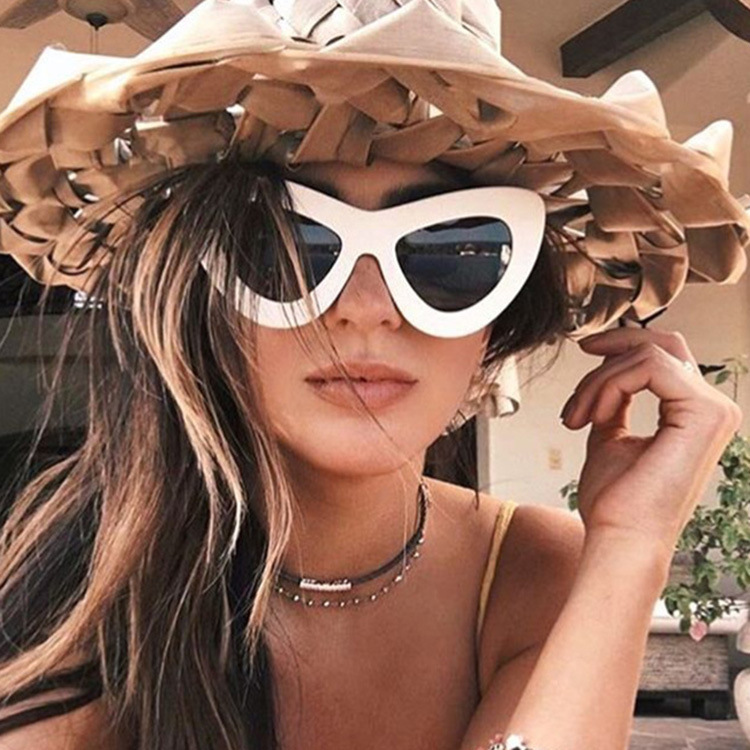 Cross border fast sell through wish2018 New Retro Cat Eye Sunglasses Fashion butterfly frame sunglasses in Europe and America