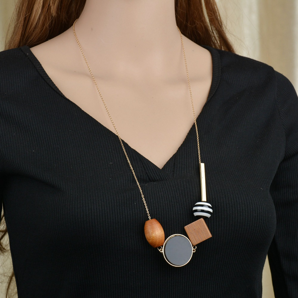 Occident and the United States woodnecklace (Main color)NHBQ1017-Main color