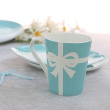 工厂龙泰骨瓷蓝杯子陶瓷西餐盘套装早餐点心盘咖啡杯礼品定制logo