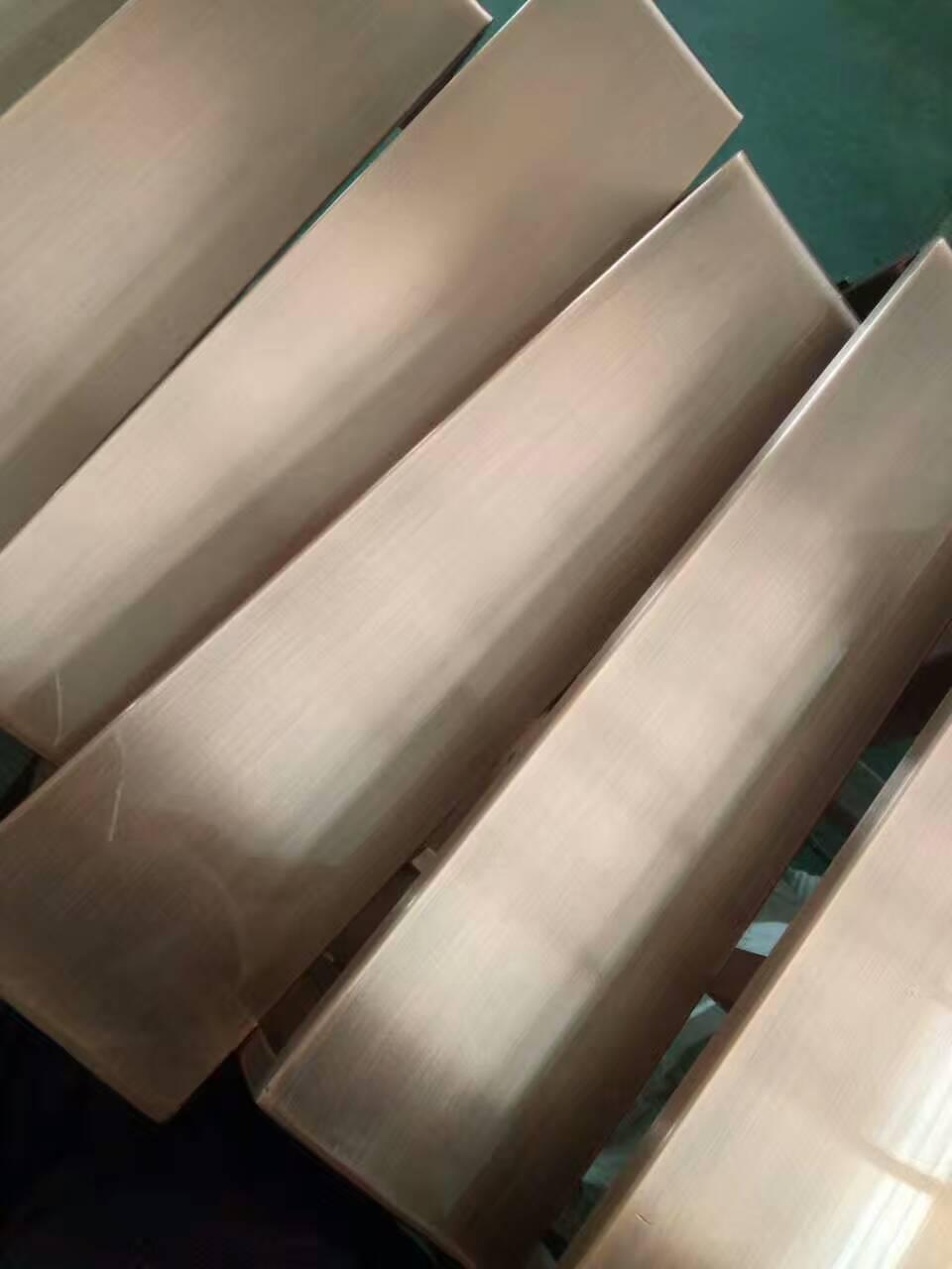 仿紫铜不锈钢板加工厂家  201拉丝红古铜发黑不锈钢板图片