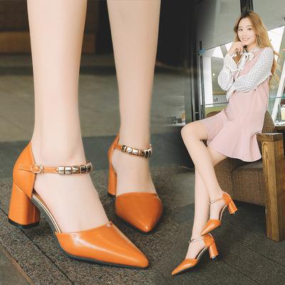 Giày cao gót nữ thời trang, thiết kế sang trọng, phong cách trẻ