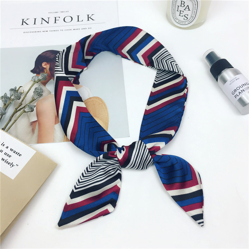 Korean version of the versatile satin scarf NHMN138604