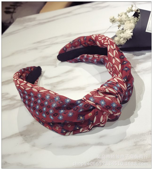Korean version of the hair hoop floral contrast hit the middle knot twisted wide headband hair NHSM186329