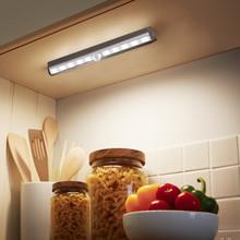 人体红外感应橱柜灯走廊小夜灯光控人体感应10LED衣柜电池小夜灯