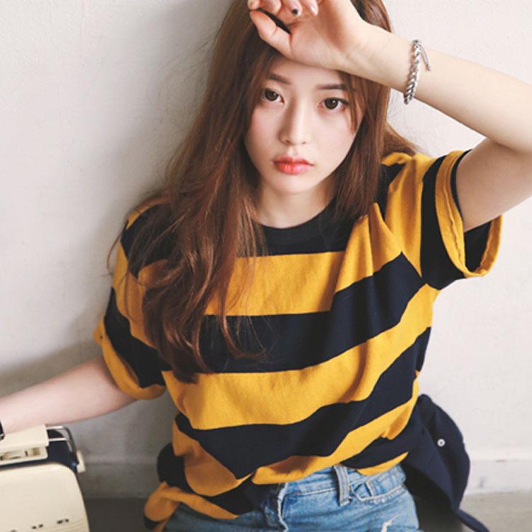 2019 النسخة الكورية من مخطط بأكمام قصيرة تي شيرت المرأة الربيع فضفاضة والصيف المرأة أدنى قميص فضفاض ورقيقة قميص بأكمام قصيرة