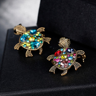 European and American hot style retro series brooch jewelry Fashion diamond-studded cute turtle corsage Cross-border exclusive jewelry