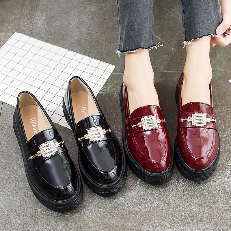 2020单鞋女中跟坡跟圆头英伦风小皮鞋百搭厚底松糕漆皮大码40-43
