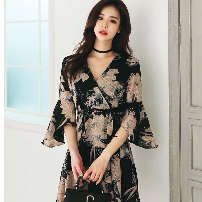 2020夏装新款韩国名媛复古印花喇叭袖系带连衣裙女短裙