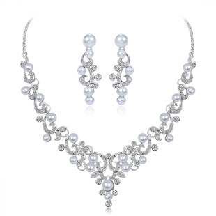 Customized Hot-selling Bridal Necklace Set in Europe and America