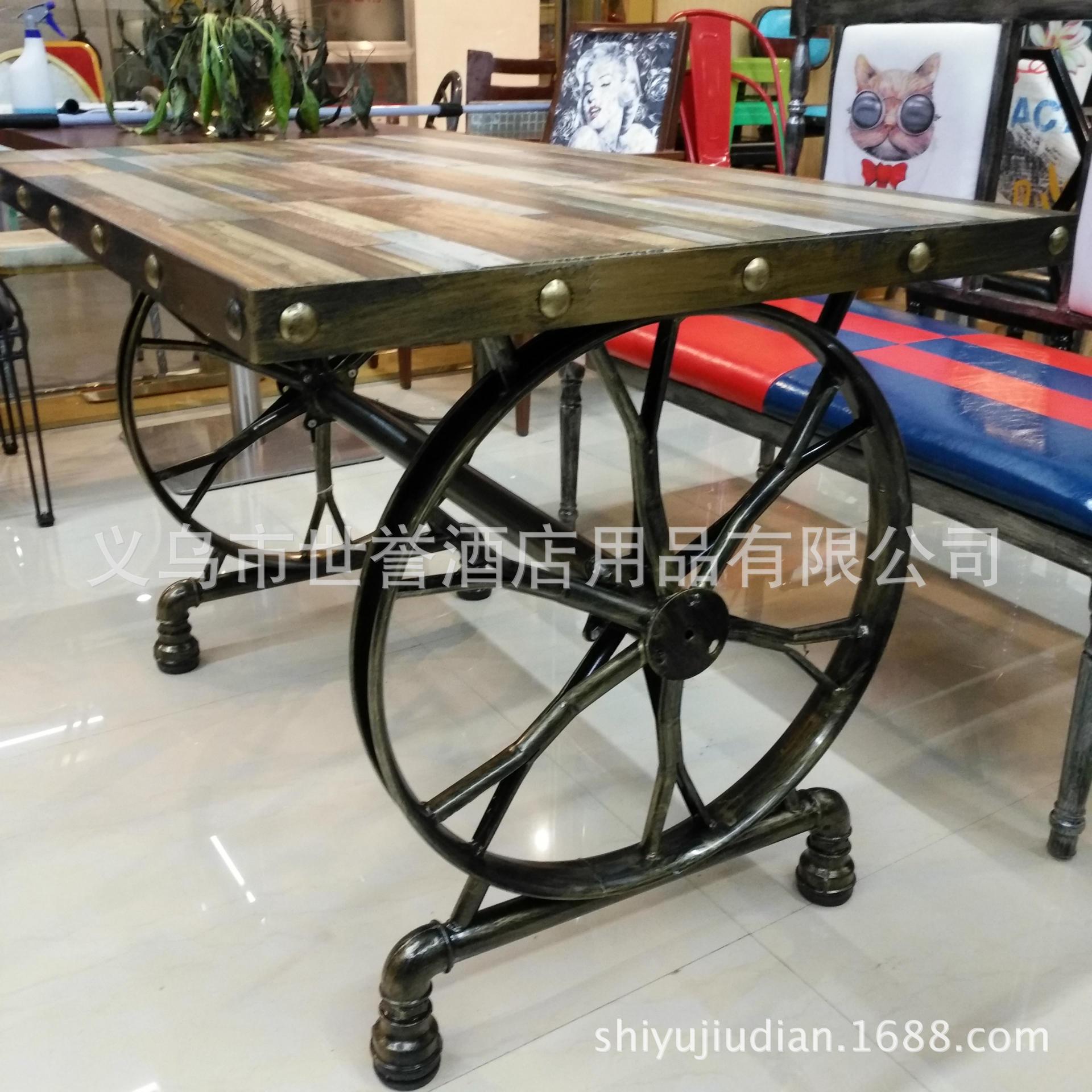 休闲餐厅瓷砖桌面餐桌复古铁艺车轮桌瓷砖做旧西餐桌个性铁艺餐桌