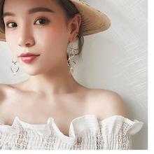 韩国气质夸张极简螺旋弯曲耳钉设计感波浪曲线耳坠耳环女欧美耳饰