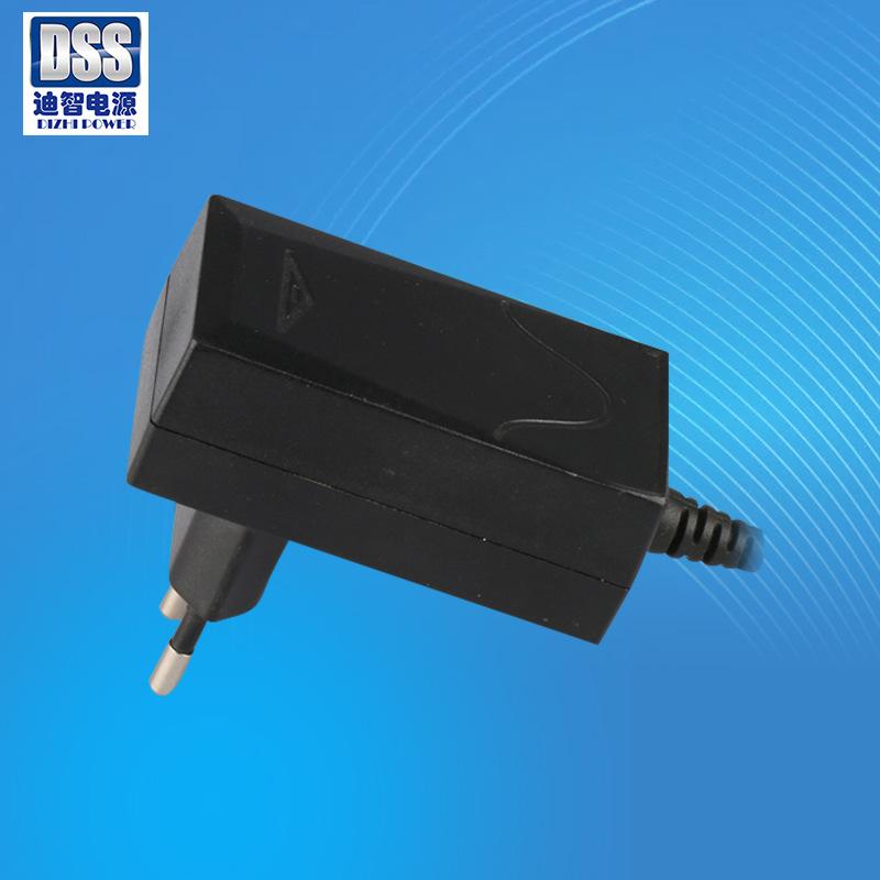 爆款可充电清洁器用欧规GS认证充电器8.4V2A锂电池充电器IEC61558