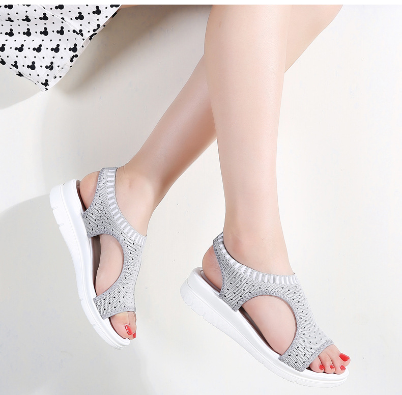 2018 summer new student fashion preparation female sandals thick bottom set foot shoes fashion running wild slippers 78