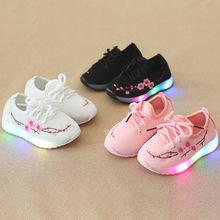 Mùa thu 2018 đèn thêu giày bé trai và bé gái dạ quang lưới LED flash giày thể thao Giày thông thường Hàn Quốc Giày thể thao