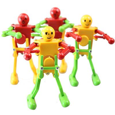 货源上链跳舞机器人儿童发条玩具批发超市实体店地摊热卖学生礼品礼物批发