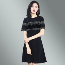 2019夏装新款时尚圆领短袖披肩黑色修身蕾丝拼接连衣裙高端女装