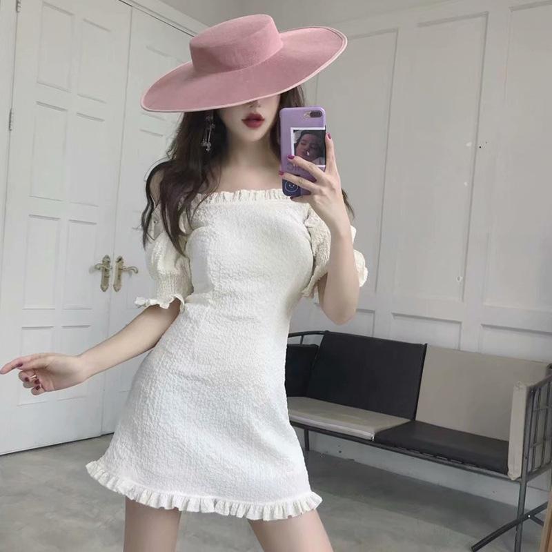 2018夏季新款女装连衣裙性感一字领礼服褶皱木耳边灯笼袖包臀短裙