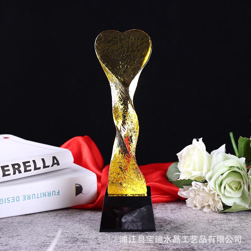 厂家供应高档心形奖杯水晶扭柱 创新创意广告品牌奖牌奖杯定制
