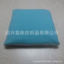 工厂定制素色折叠毛毯绣花涤纶绒收纳毛毯摇粒绒午休抱枕空调毯