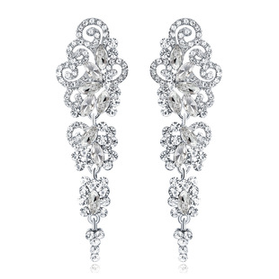 Exaggerated long earrings in Europe and America Cross-border hollow earrings exclusively for brides Alloy atmosphere earrings clothing accessories