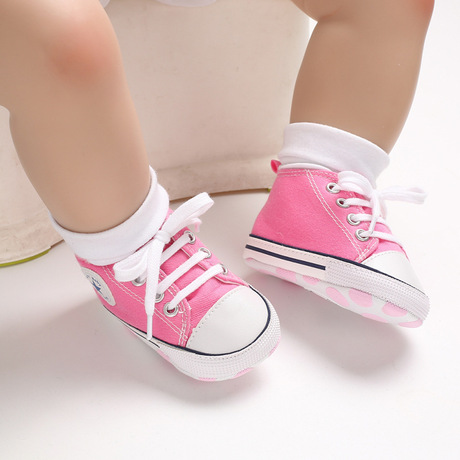 Giày đế mềm cho bé Giày em bé