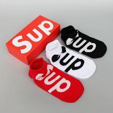 新款欧美潮牌袜子时尚个性街头短袜纯棉薄款大字母?#20449;?#33337;袜批发