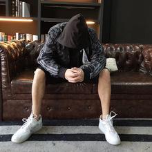 工厂直销2018春季薄款港风潮男运动休闲男装时尚拉链男式夹克定做