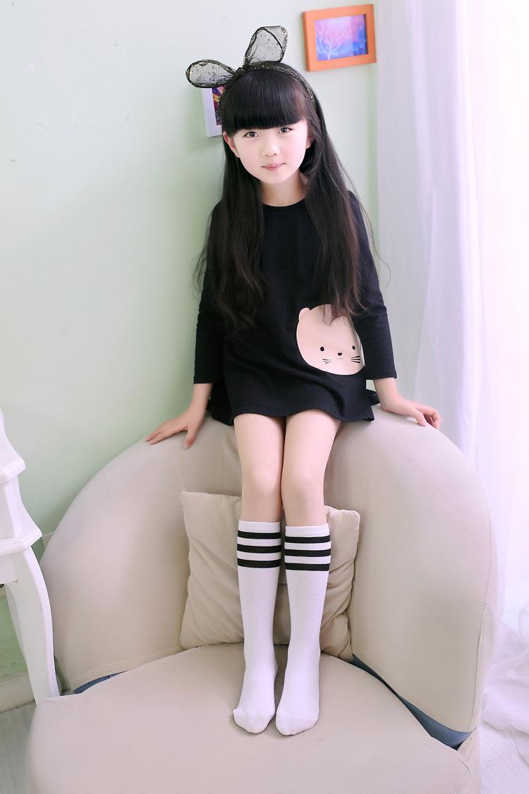 秋款小学生校服幼儿园园服搭配黑色条纹袜子