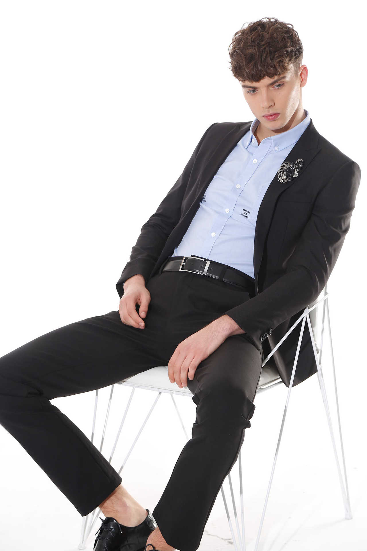 佐纳利风尚男装品牌代理资金多少 ZENL男装品牌带你感受温暖的优雅