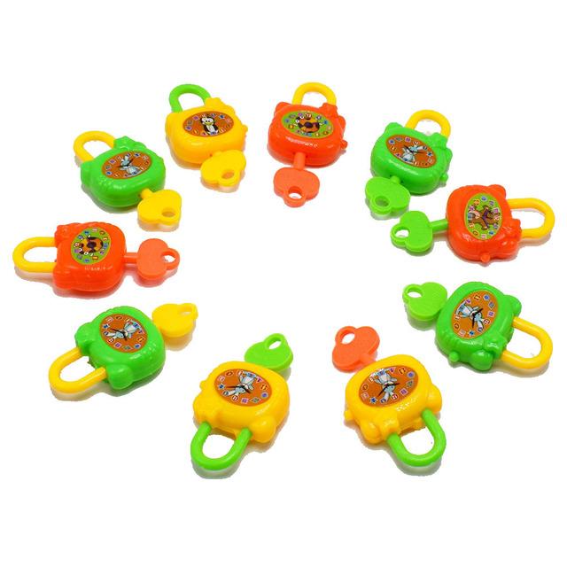 新款塑料儿童带钥匙玩具锁笔记本锁装扭蛋小玩具赠品玩具