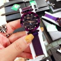 Вибрато фасон унисекс Мигающее звездное небо стиль женский наручные часы высококачественный Милан магнитный водонепроницаемый Кварцевые часы женские поколение волосы