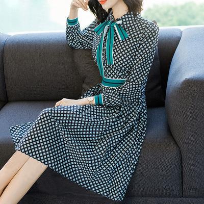 2018新款秋装中长款气质连衣裙女超仙修身格子雪纺裙子一件代