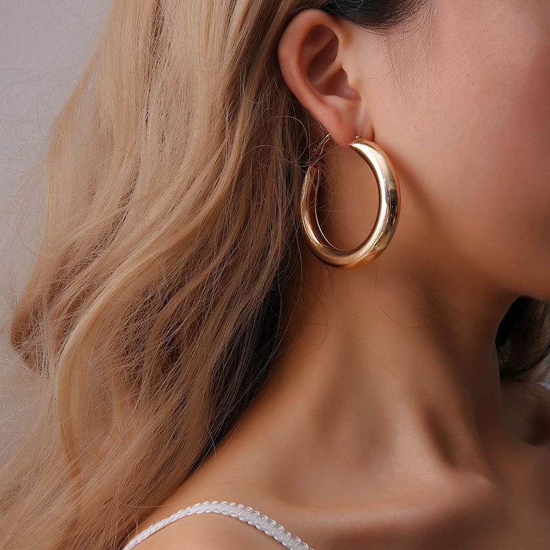 欧美时尚OL风百搭款金色几何圆形大耳环女 夸张瑞丽圆圈圈耳饰