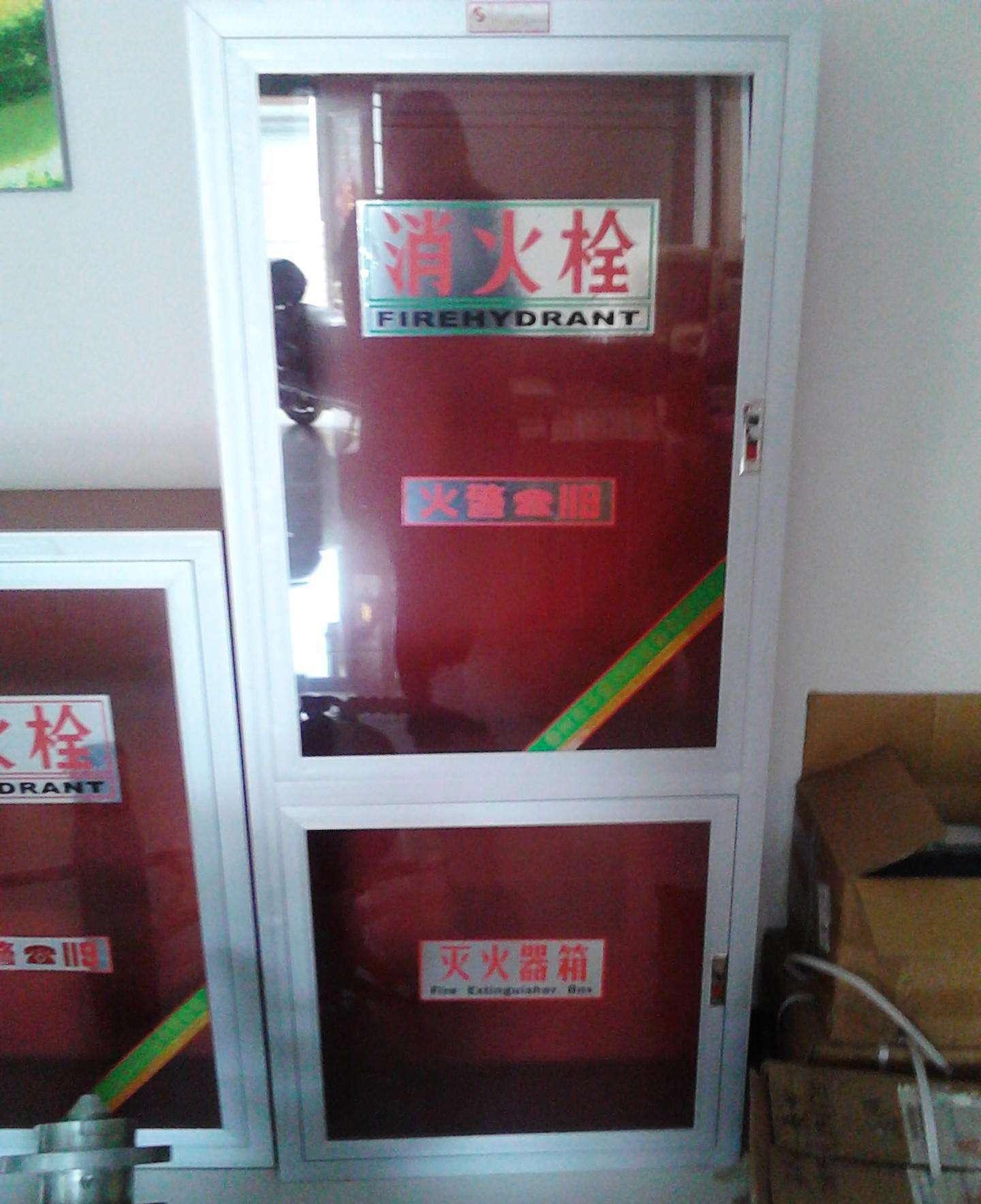 高邮消防器材厂家依照国标生产800*650型号消防箱室内消火栓箱