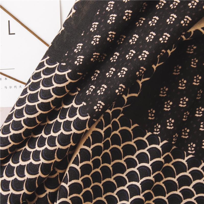 Bufanda de algodón y lino de moda escama de pez negro estilo largo salvaje aumentar chal al por mayor NHGD199188